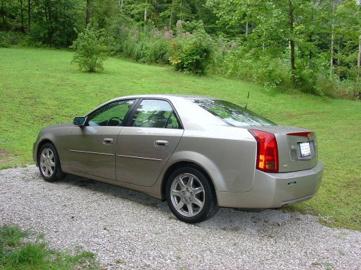 CADILLAC CTS FOR SALE : LIKE NEW ; Write primitivecool@hotmail.com